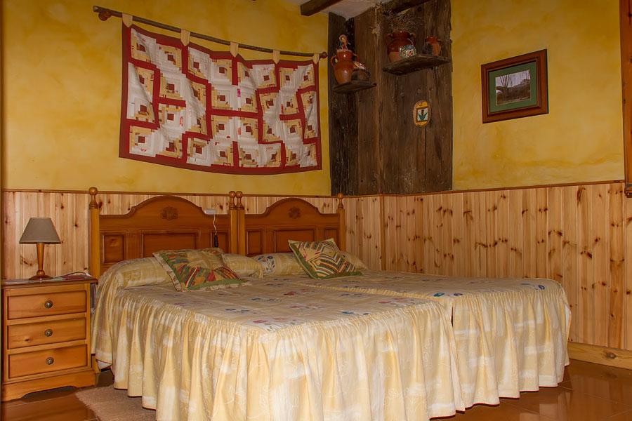 Las habitaciones de la casa rural tahona de enciso for Casa rural 5 habitaciones